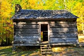 cabin-1258762__180
